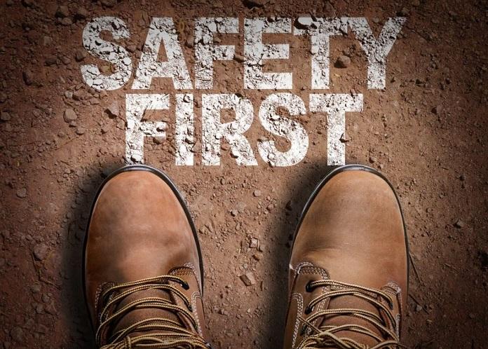 cara memilih sepatu safety untuk pekerjaan proyek