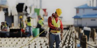 pelaksanaan prosedur keamanan dan keselamatan kerja di perusahaan