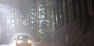langkah aman bekerja di musim hujan