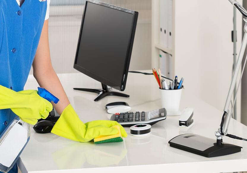 2. Selalu Menjaga kebersihan area kerja