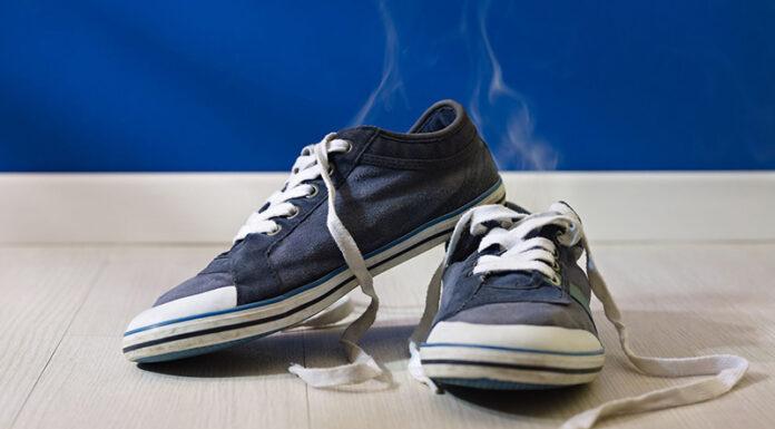 Cara menghilangkan bau sepatu yang tak sedap